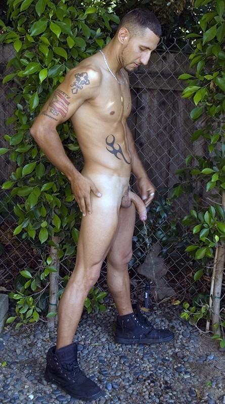 semi-nude-men-peeing-jpeg-porn-pics